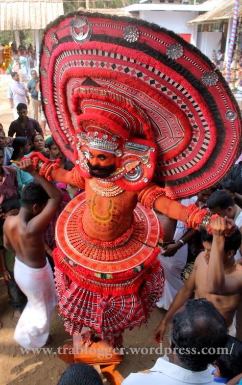 theyyam, thira, malabar, folklore. culture, kavu, andalur kavu, bali, sugrivan
