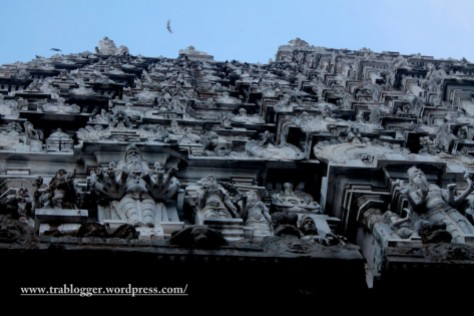 The massive Annamalaiyar temple towers