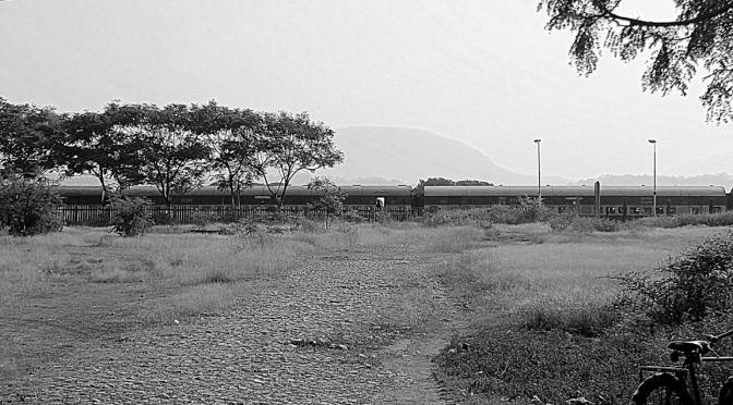 Monday Monochrome : Railway station