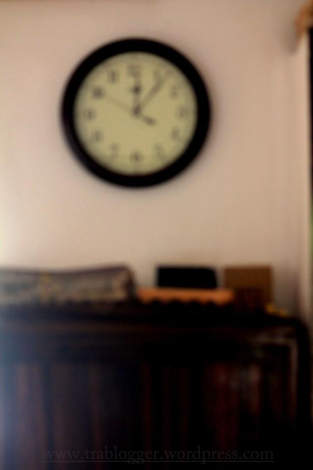 Mundane Monday : Wall n Clock